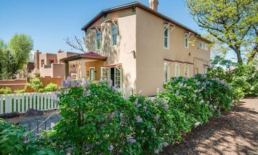 Santa Fe - 318 Grant Avenue Brokerage