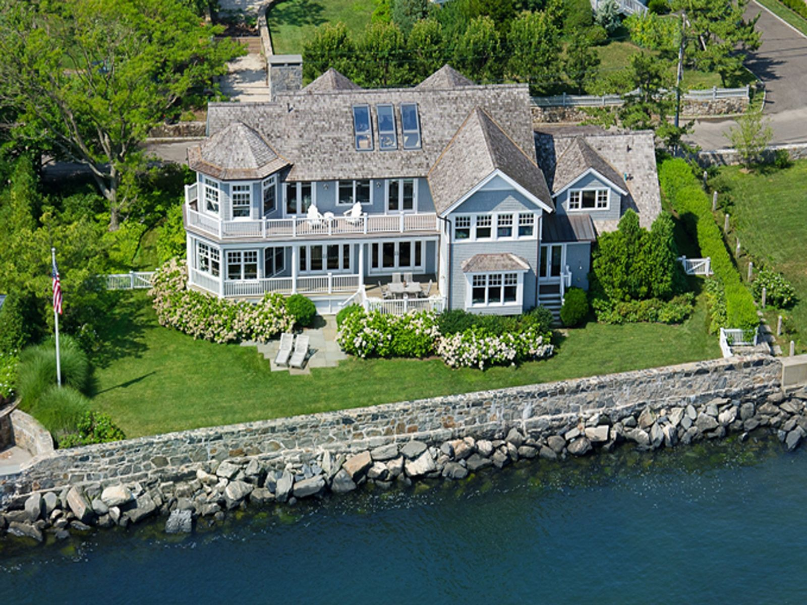 Spectacular Waterfront in Old Greenwich, Old Greenwich CT Single Family Home - Greenwich Real Estate