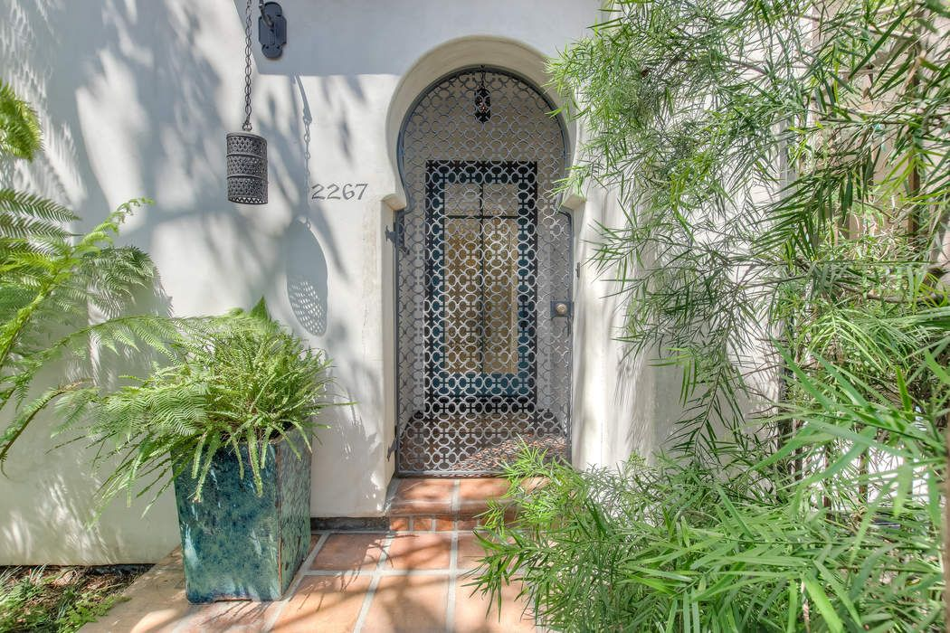 2267 North Gower Street Los Angeles, CA 90068
