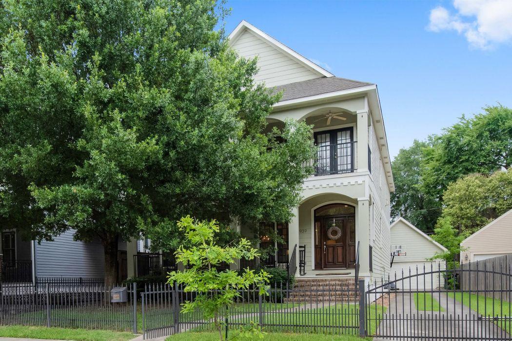 939 Omar Street Houston, TX 77009