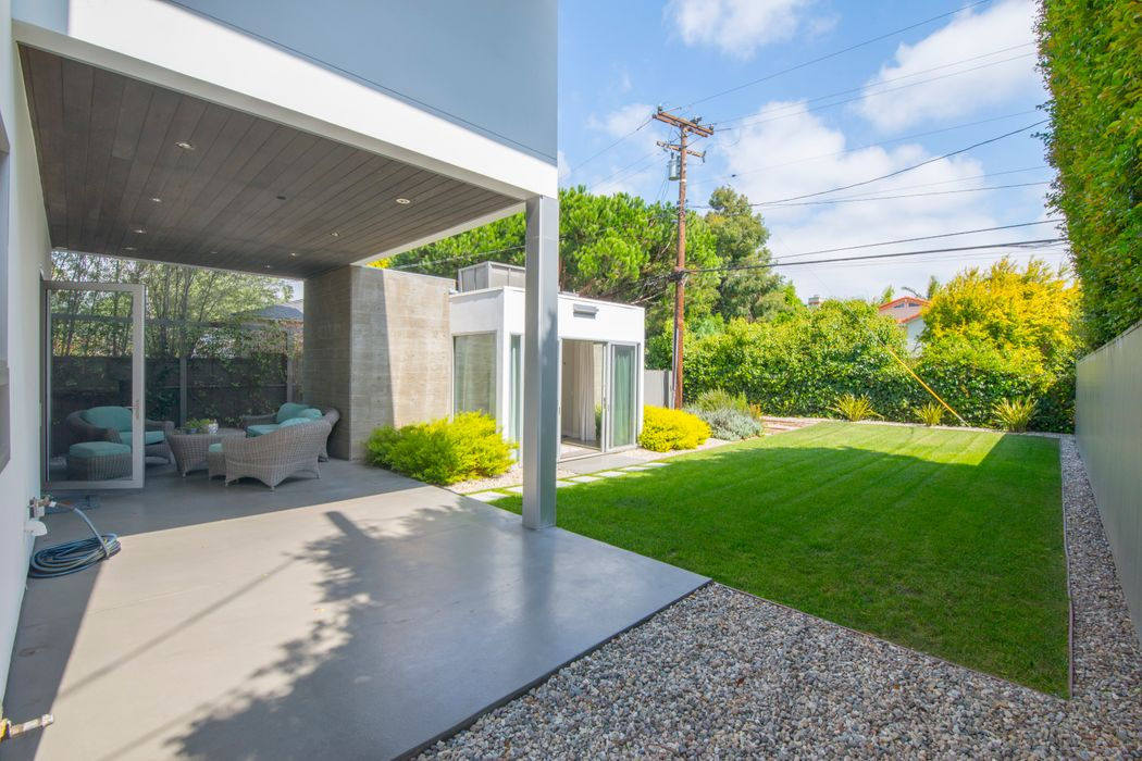 2435 32nd Street Santa Monica, CA 90405