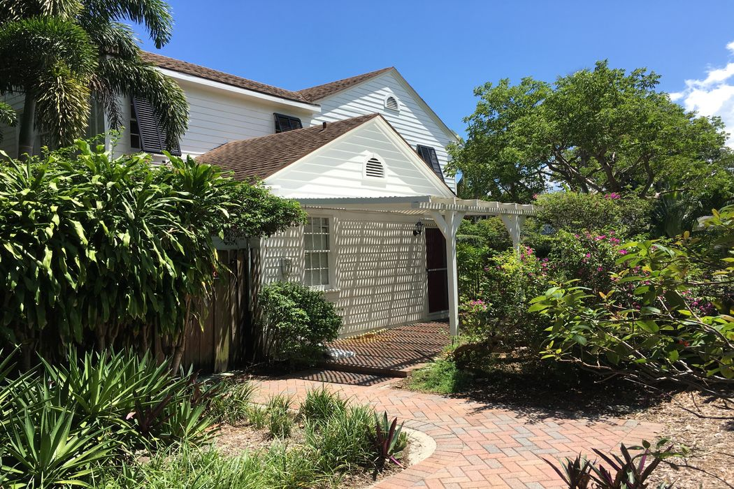 243 Pershing Way Guest House, West Palm Beach, FL 33401 ...