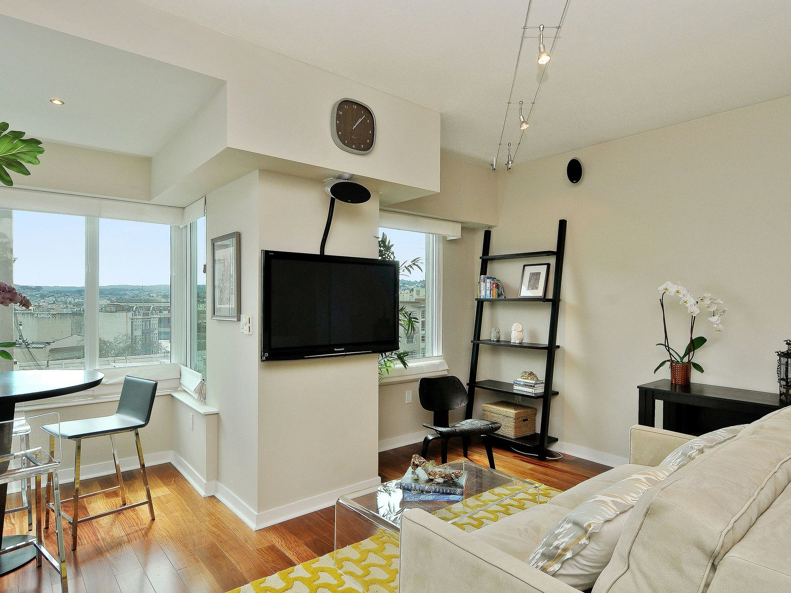 Stunning View Condo at The Hayes
