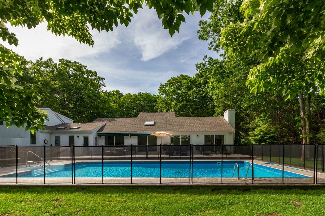 East Hampton - 4 Bedroom With Pool East Hampton, NY 11937