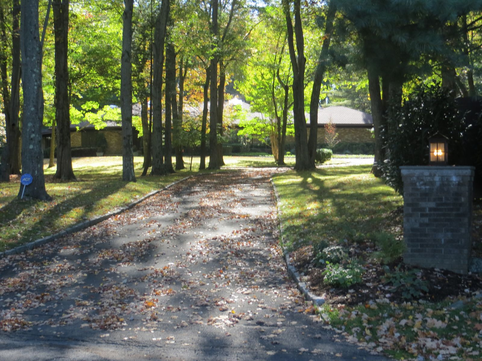Tranquil Lifestyle, Greenwich CT Single Family Home - Greenwich Real Estate