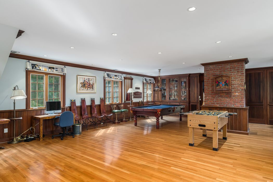 137 Old Mill Road Greenwich, CT 06831