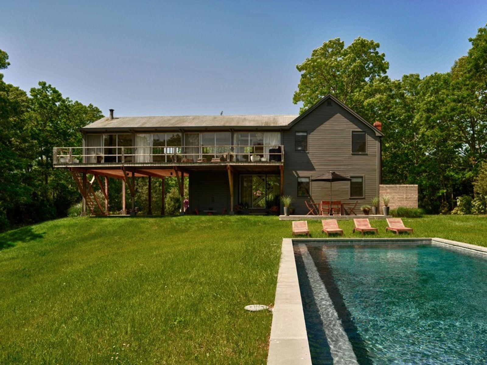 Modernist farm house east hampton ny single family home for Homes for sale east hampton ny