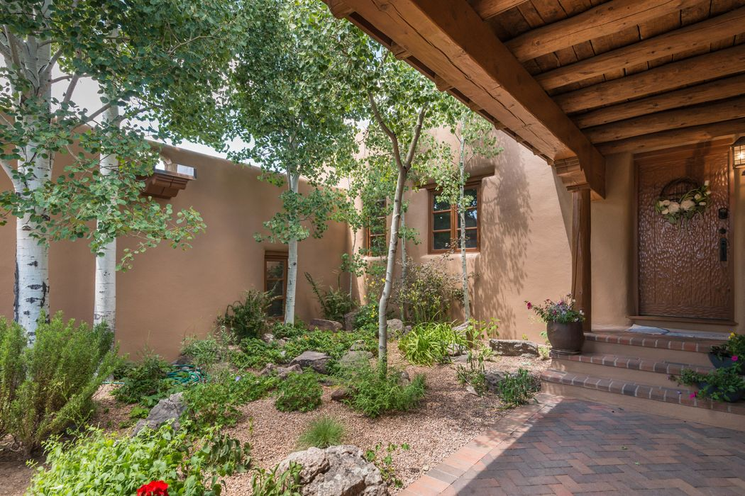 145 Barranca Road Santa Fe, NM 87501