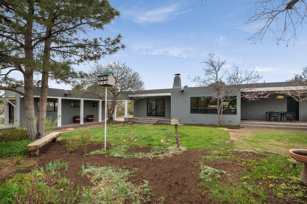 104 Calle Palomita Santa Fe, NM 87505