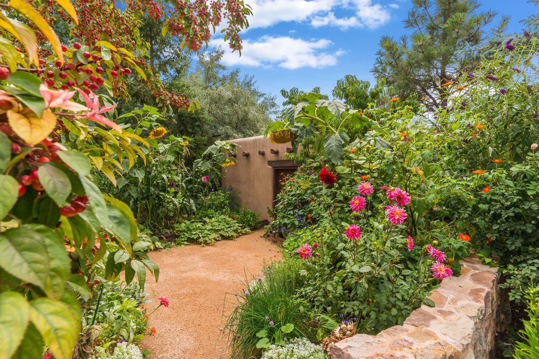 555 Camino Del Monte Sol Santa Fe, NM 87505