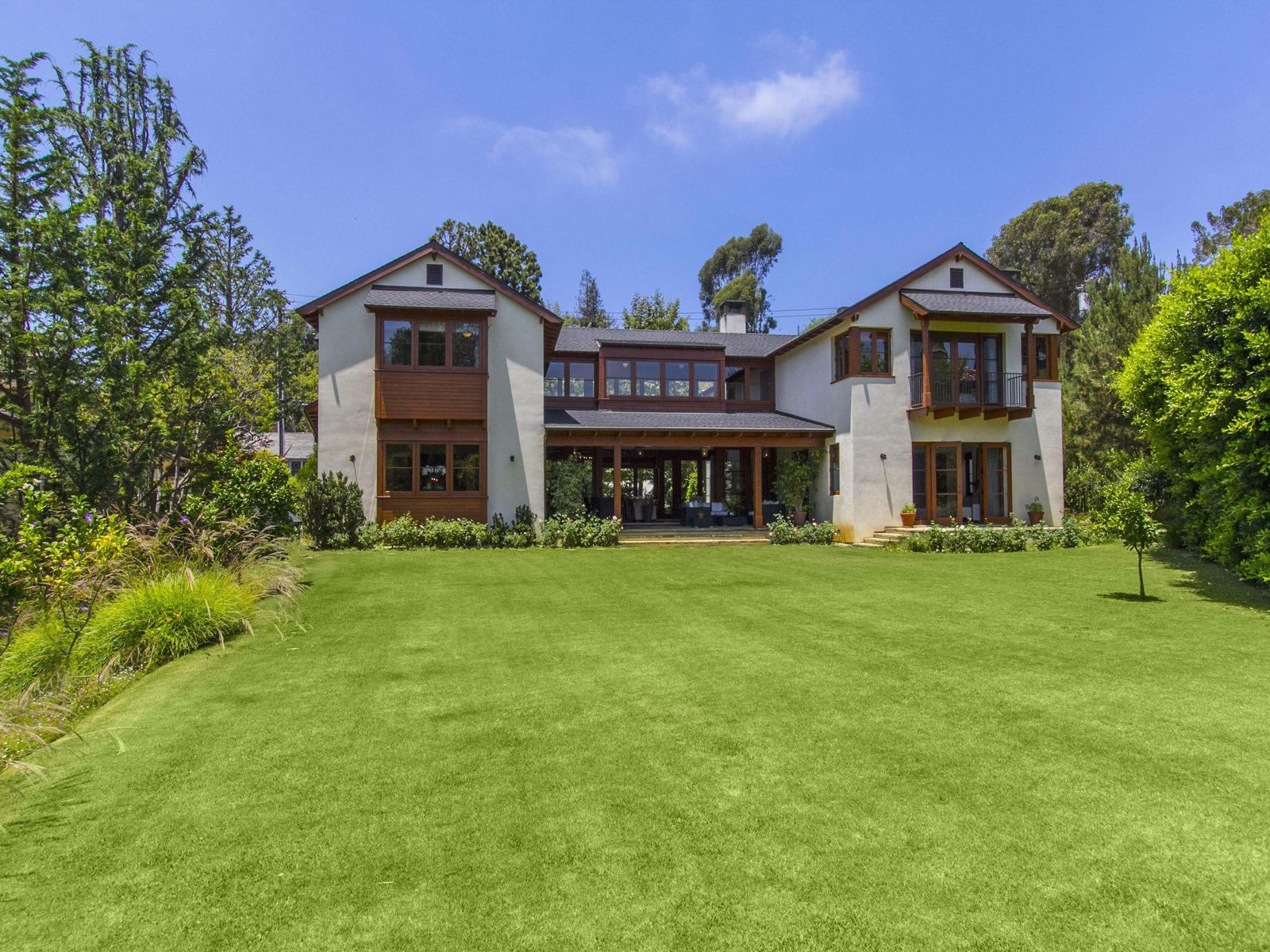 Monterey Colonial Home, Pacific Palisades CA Single Family Home - Los Angeles Real Estate