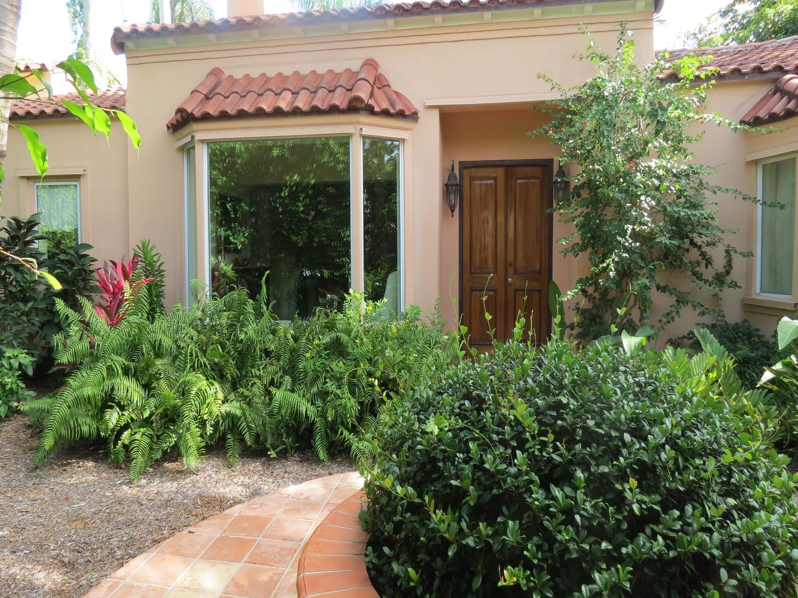Very Private In Town Rental House, Palm Beach FL Single Family Home - Palm Beach Real Estate