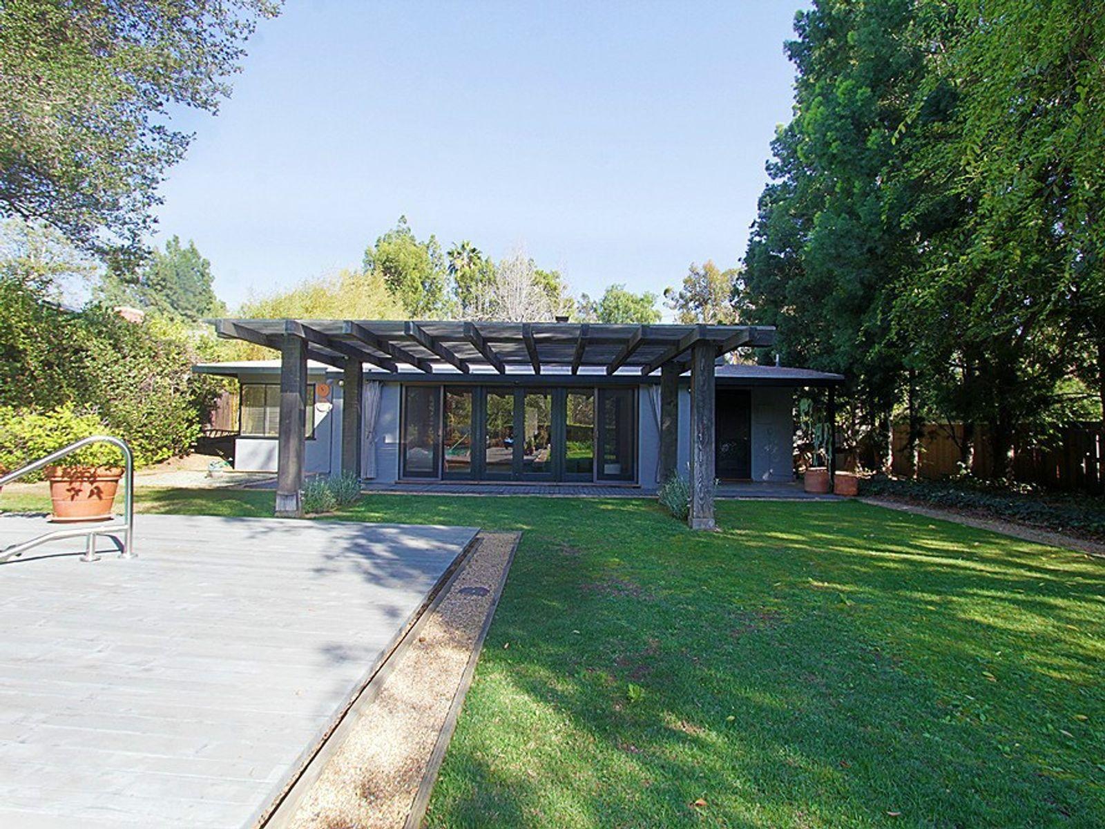 1525 Arroyo View Drive