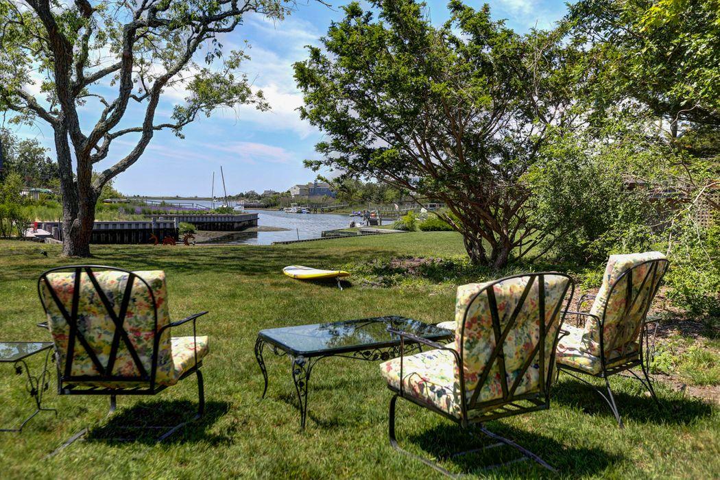 Waterfront Dreaming Southampton, NY 11968