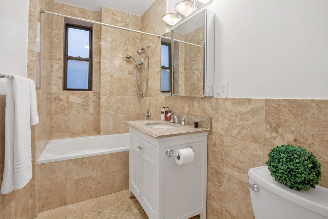 215 West 90th Street New York, NY 10024