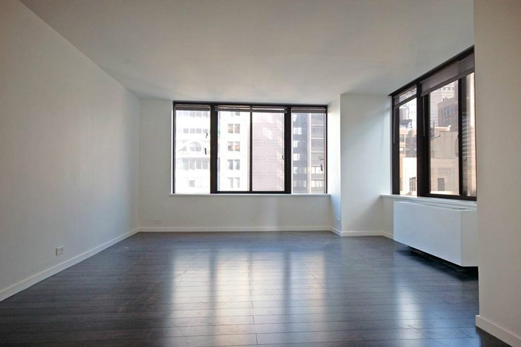 ONE BED MIDTOWN EAST, ONE MONTH FREE!