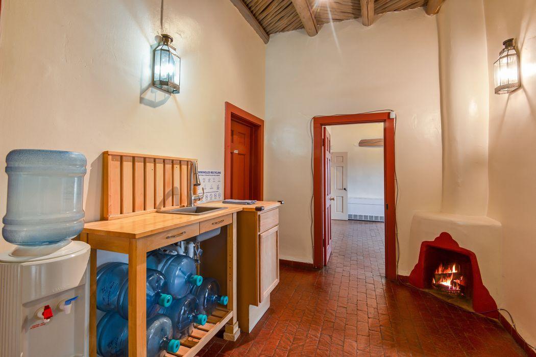200 W. Devargas, Suite 1 Santa Fe, NM 87501