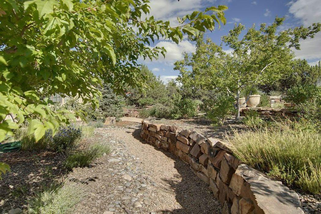 5 Desert Rain Santa Fe, NM 87506