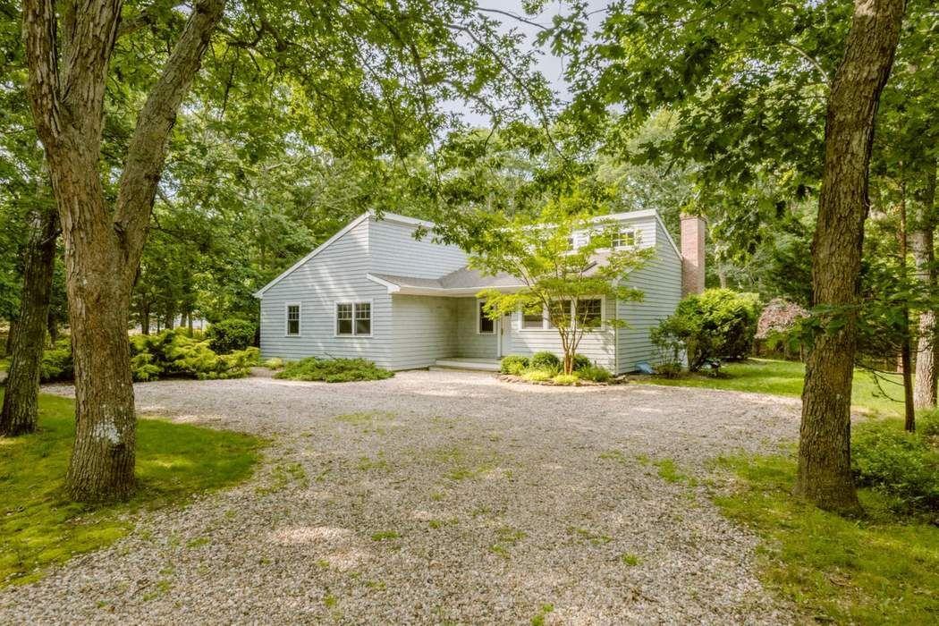 6 Long Woods Lane East Hampton, NY 11937