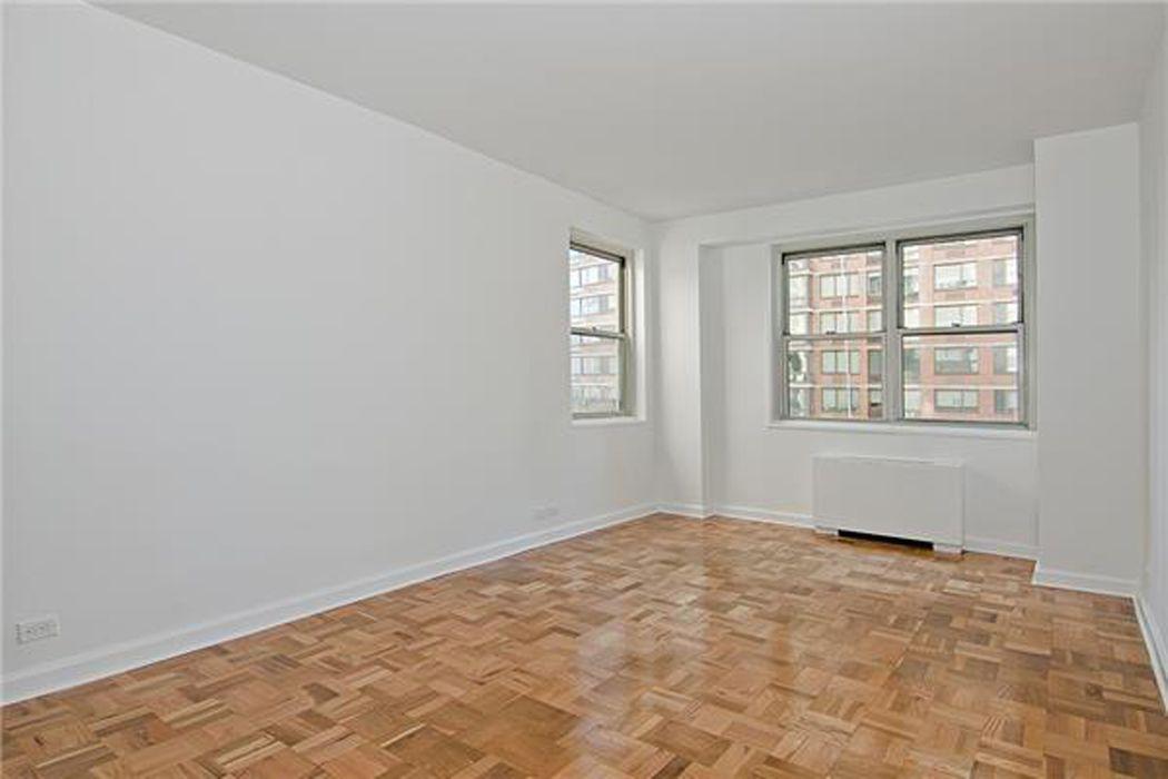 300 East 40th Street New York, NY 10016