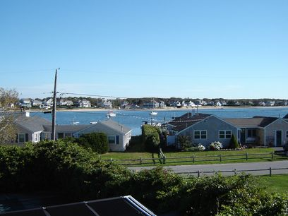 Hyannis Harbor  Escape, Hyannis MA Single Family Home - Cape Cod Real Estate