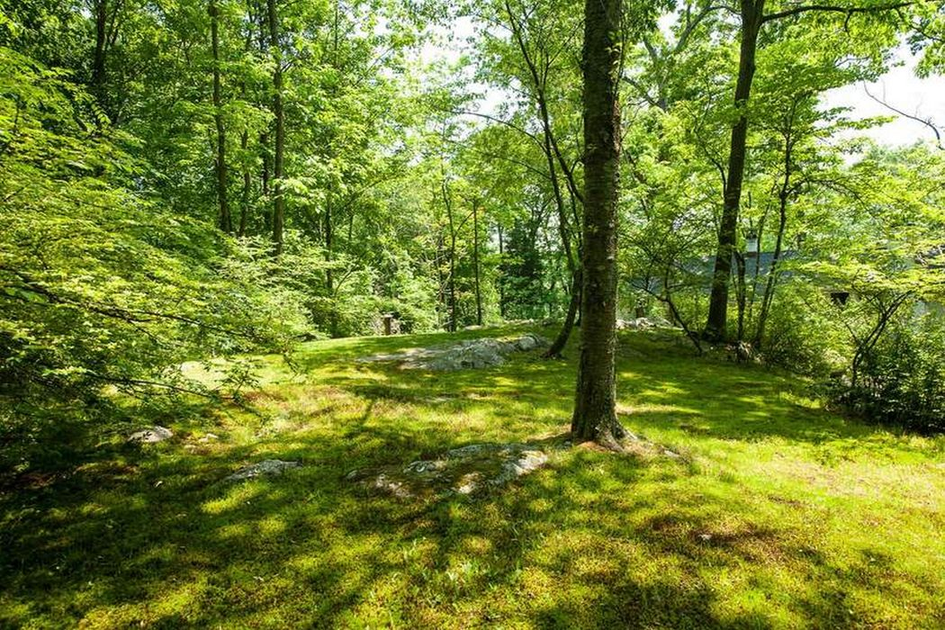 45 Cliffdale Road Greenwich, CT 06831