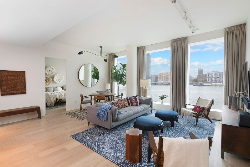 Immaculate 2-Bed W/ Breathtaking Views