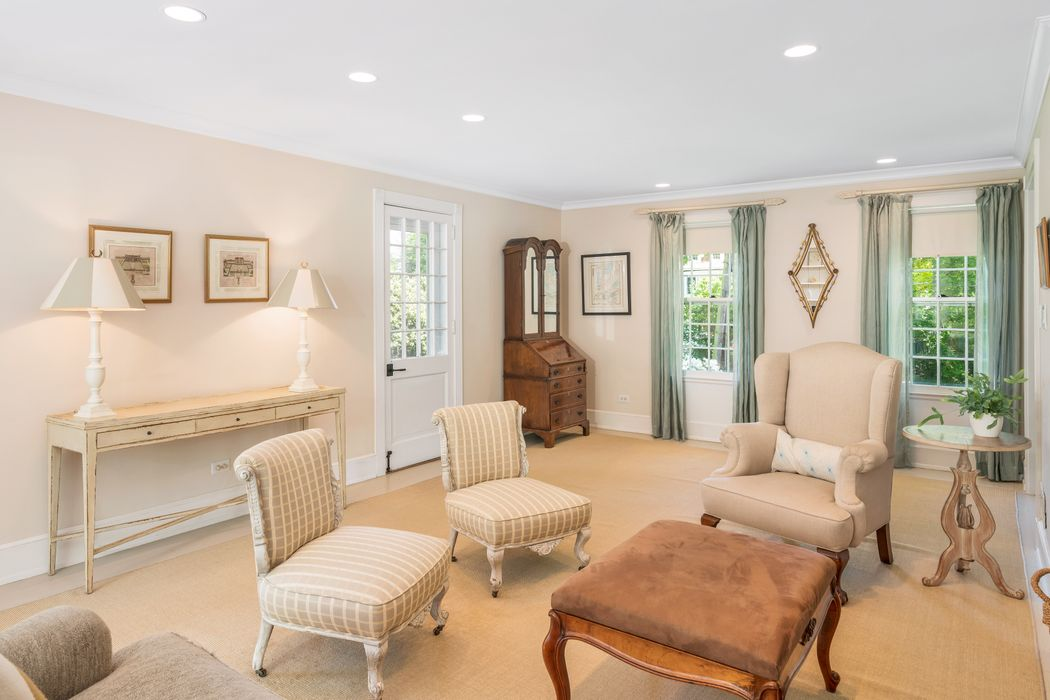 40 Hillside Drive Greenwich, CT 06830