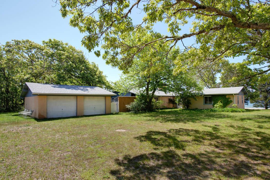 257 Great Neck Road Wareham, MA 02571