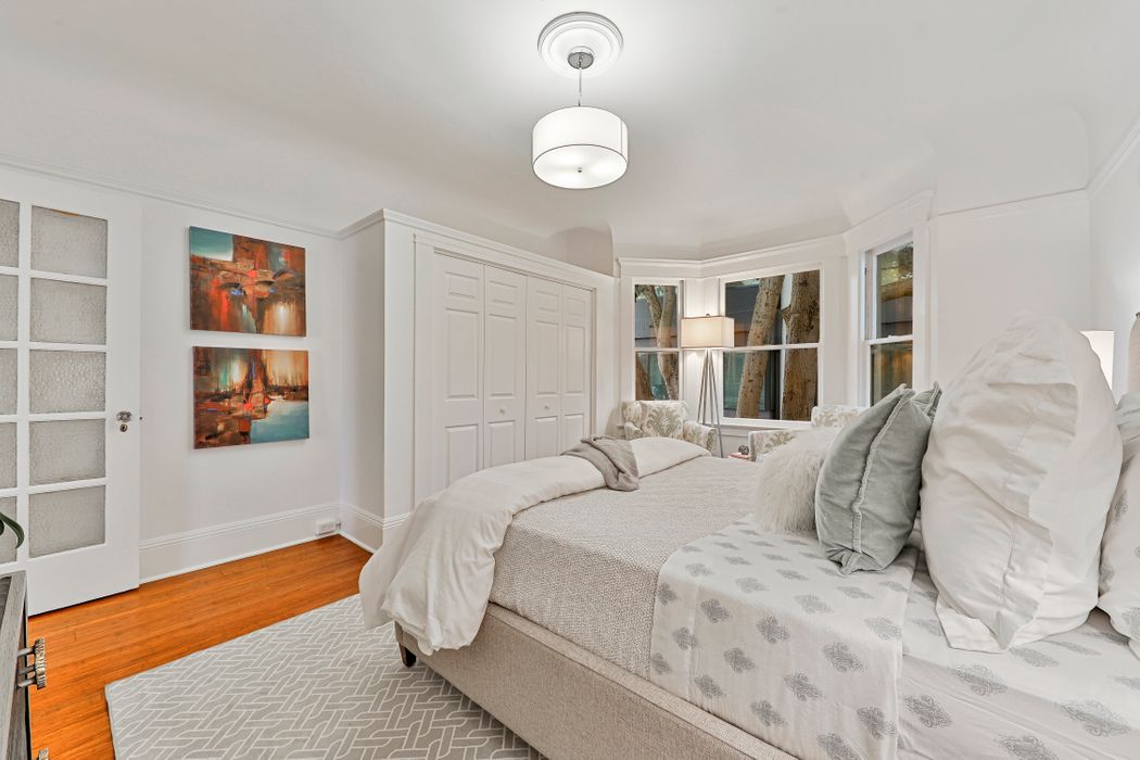 Top floor condo in Edwardian building San Francisco, CA 94109