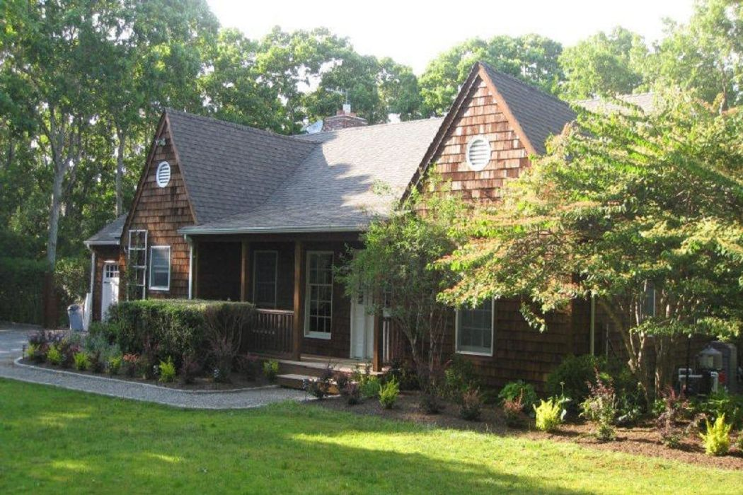 Fabulous Summer Sanctuary with Tennis Water Mill, NY 11976