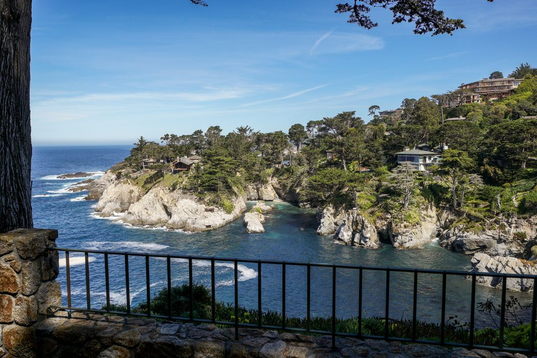 29798 Highway 1 Carmel Highlands, CA 93923