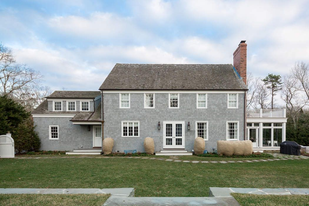 Bridgehampton North Charming Traditional Bridgehampton, NY 11932