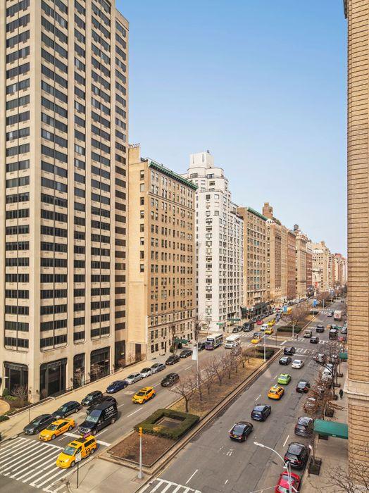 895 Park Avenue New York, NY 10075