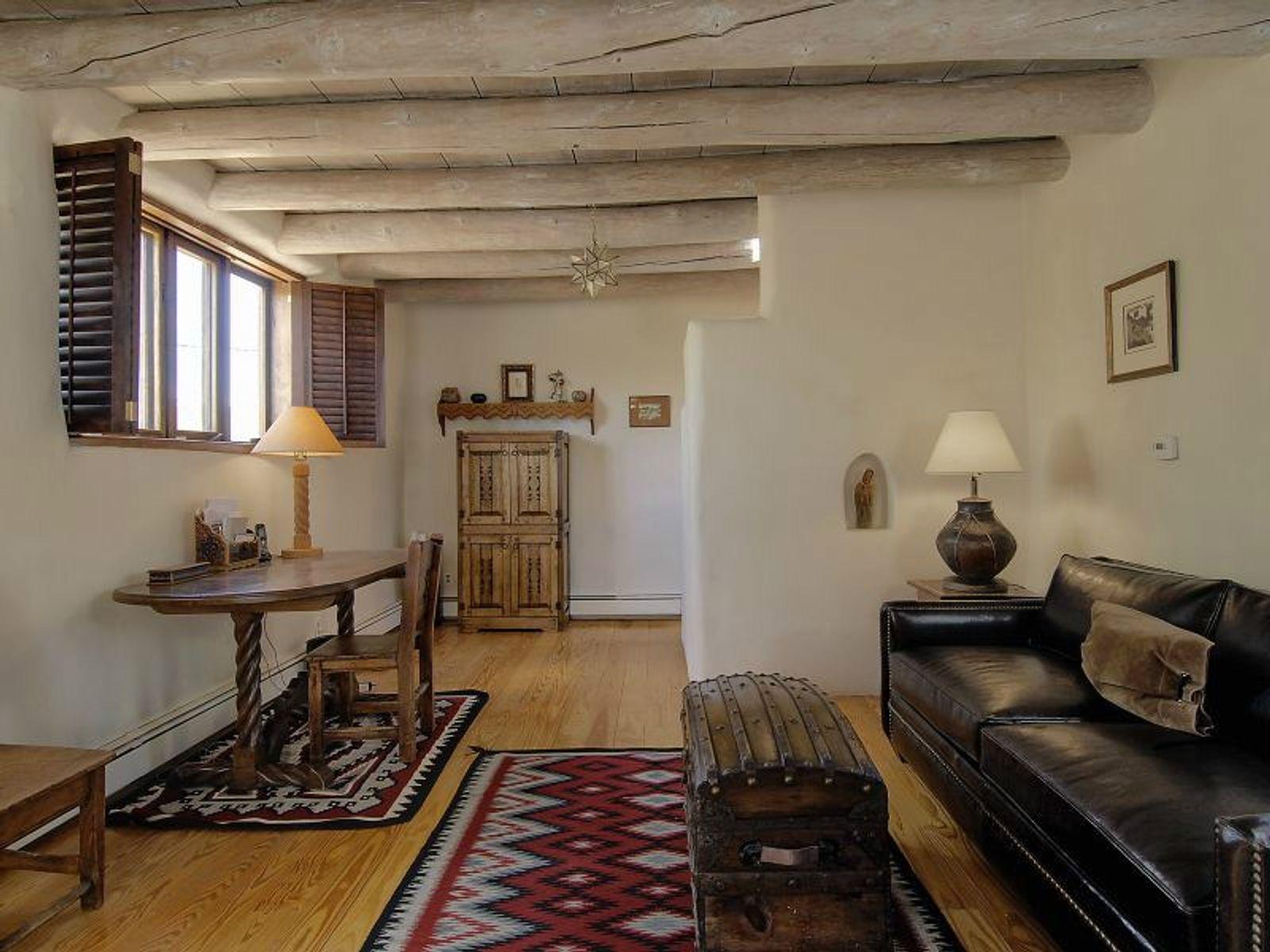 576 Camino Del Monte Sol