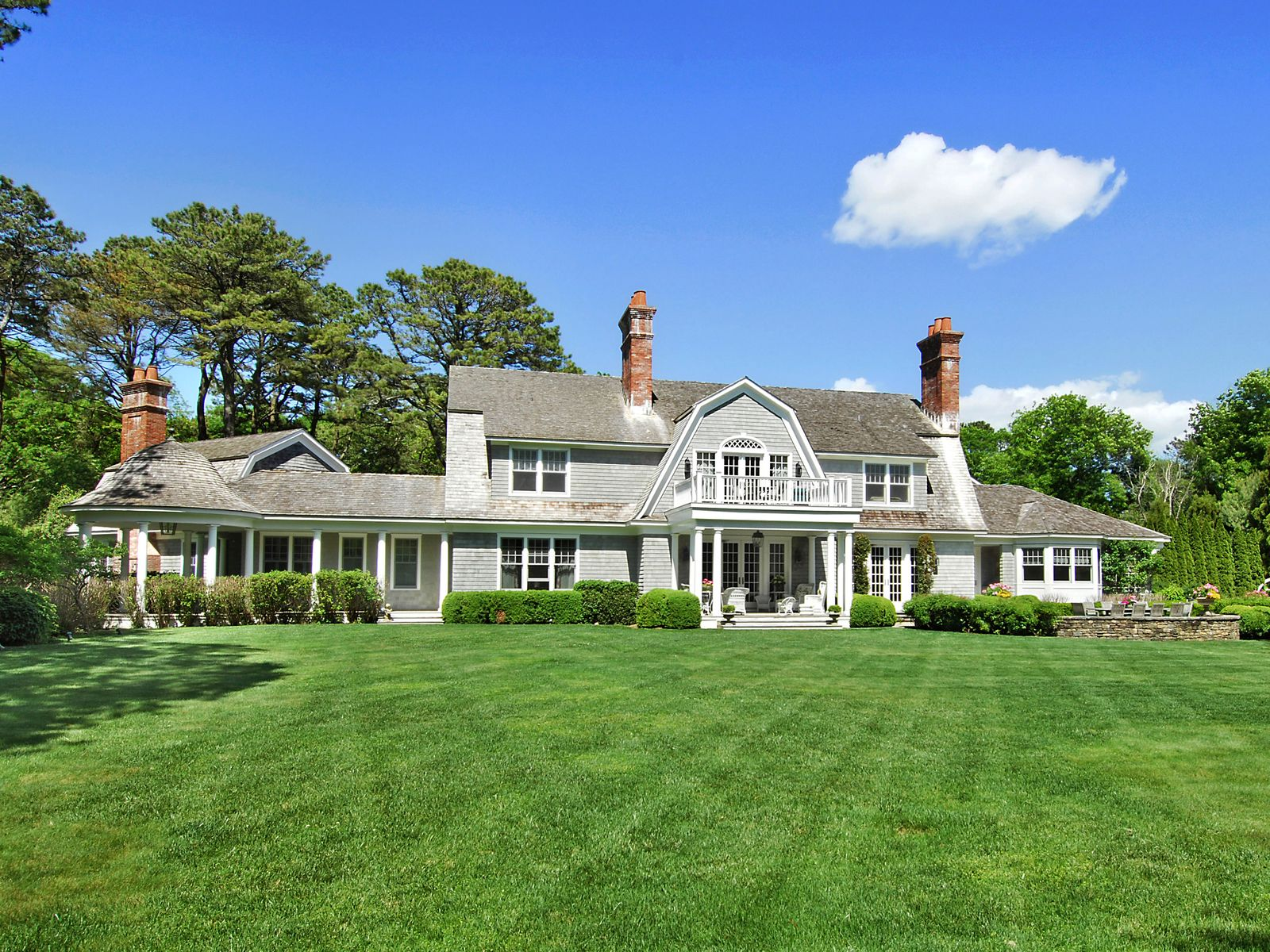 Custom Georgica Estate, East Hampton NY Single Family Home - Hamptons Real Estate