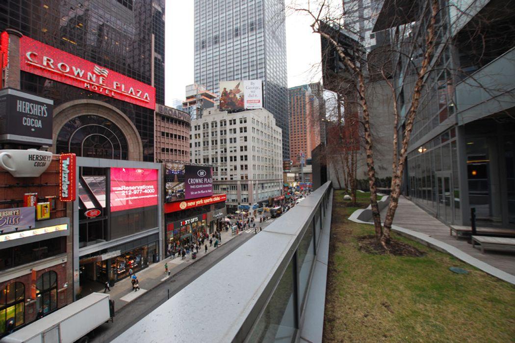 1600 Broadway New York, NY 10019