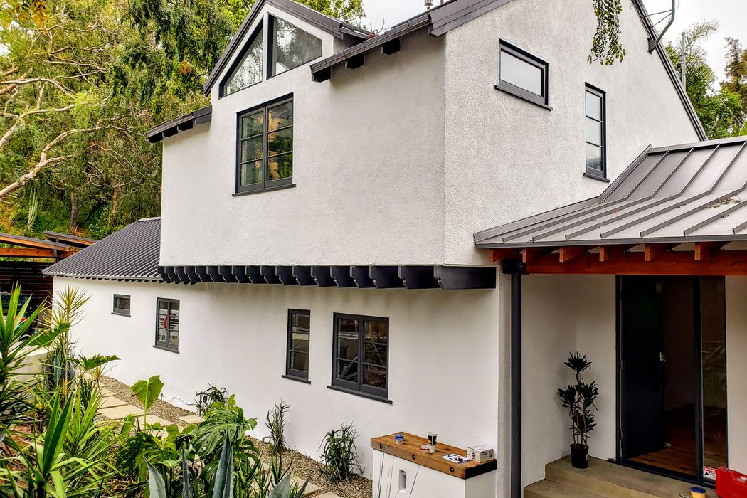 3285 Blair Drive Los Angeles, CA 90068