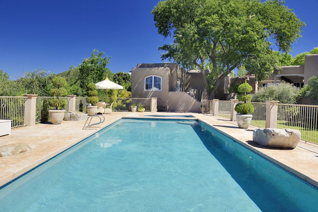 1243 Upper Canyon Road Santa Fe, NM 87501