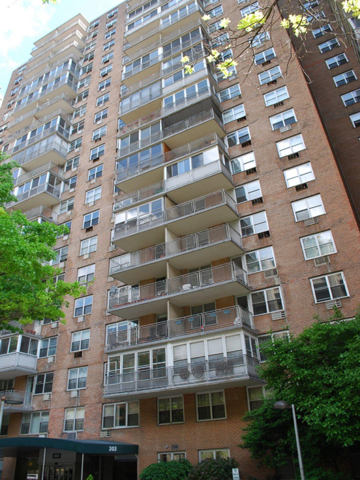 303 West 66th Street, 8HW