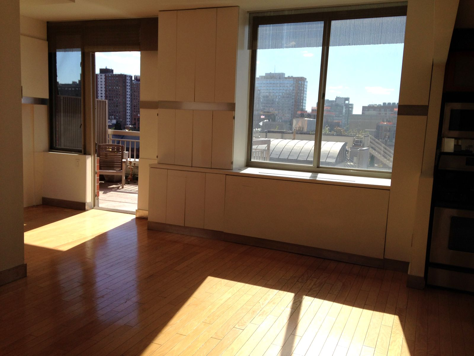 Studio Loft with Large Private Terrace