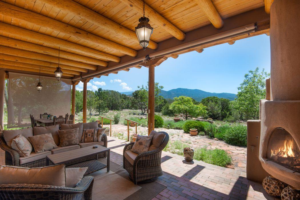 520 Camino Los Altos Santa Fe, NM 87501