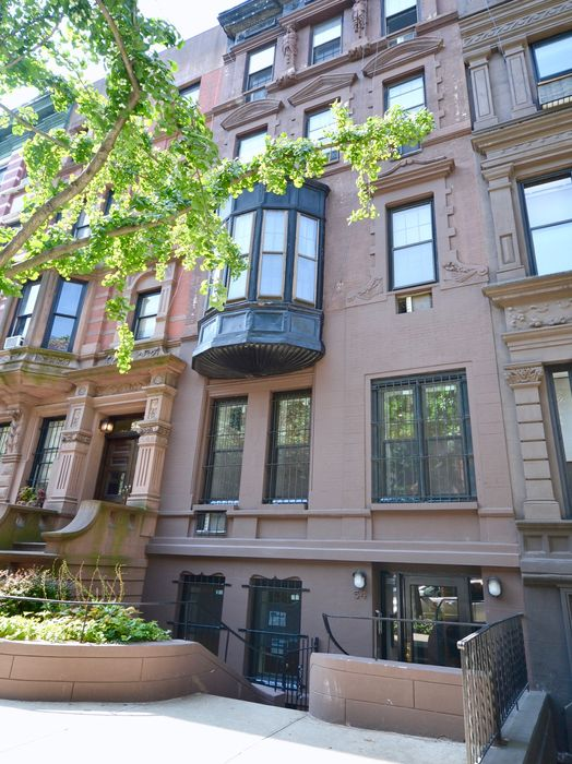 54 West 88th Street New York, NY 10024