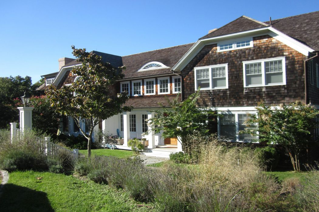 Waterfront on Three Mile Harbor East Hampton, NY 11937