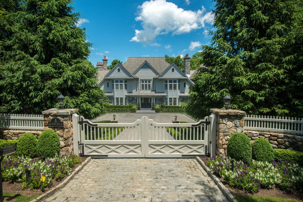 5 Old Round Hill Lane Greenwich, CT 06831