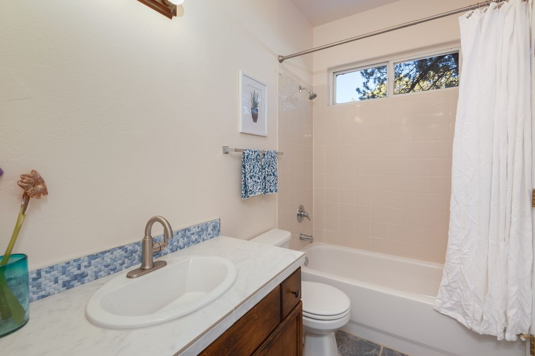 4213 Hidden Cricket Santa Fe, NM 87507