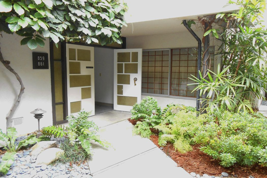 859 South Orange Grove Boulevard Pasadena, CA 91105