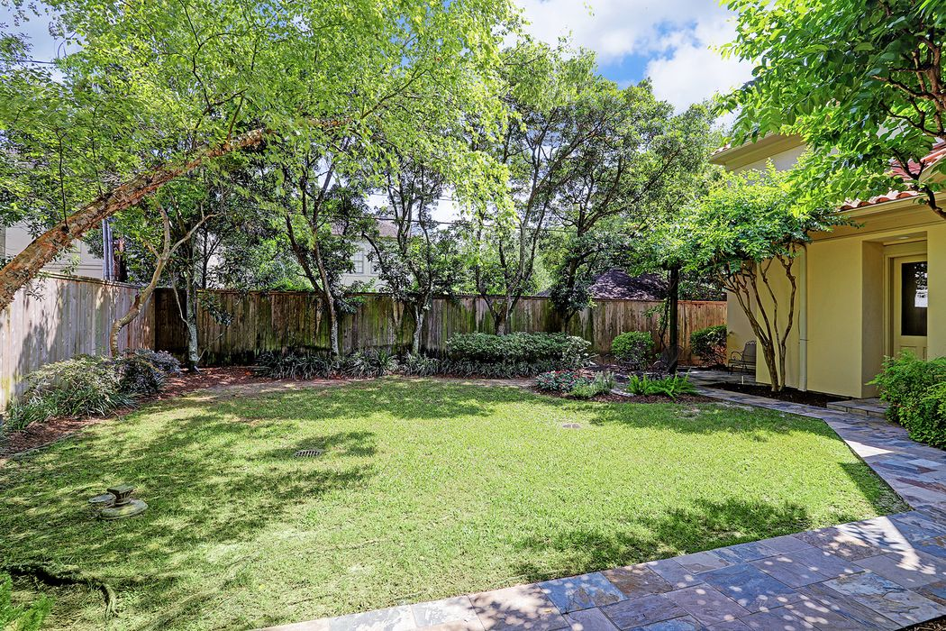 3809 Ella Lee Lane Houston, TX 77027