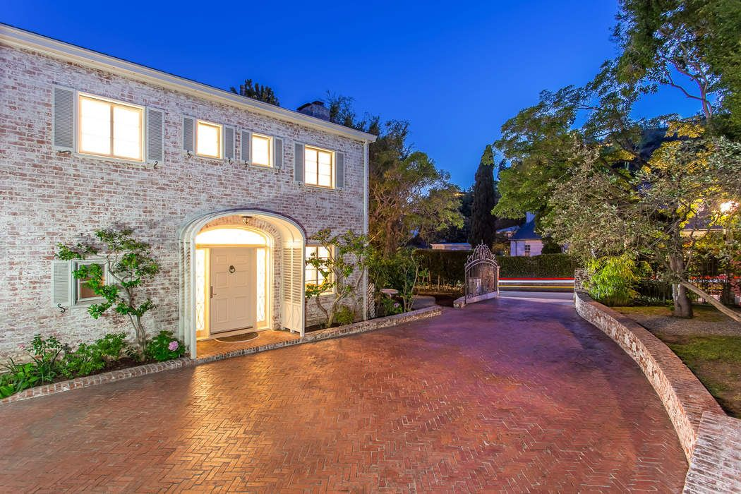 1270 Sunset Plaza Drive Los Angeles Ca 90069 Sotheby S