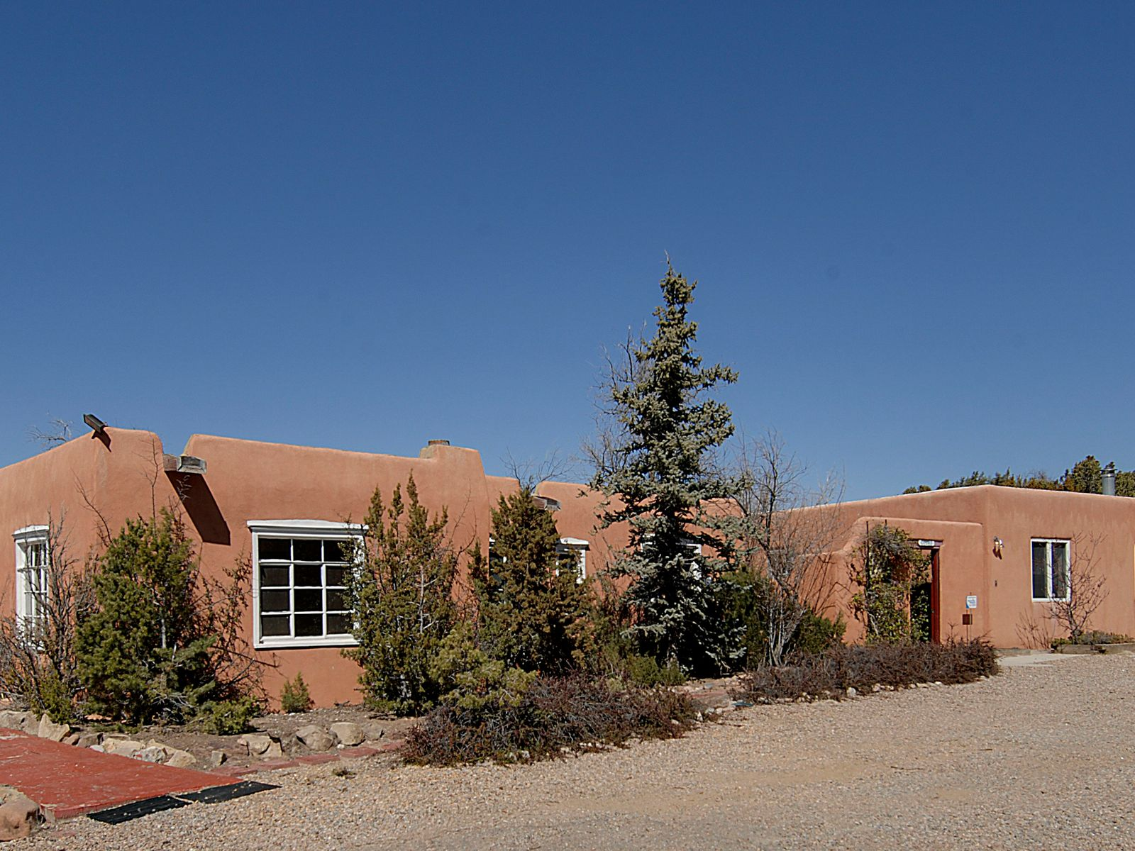 1049 Governor Dempsey, Santa Fe NM Single Family Home - Santa Fe Real Estate